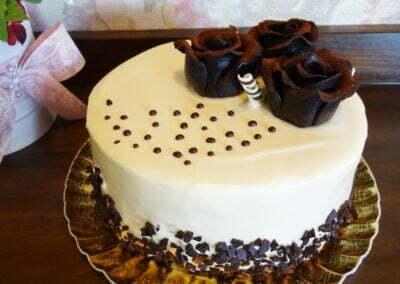Tort aniversare Chocolate Roses